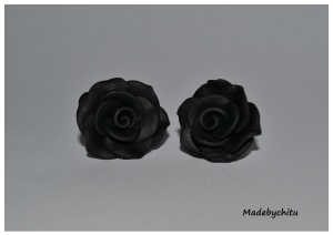 trandafiri negri